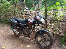 It's discover 100 cc it's absolutely good condition