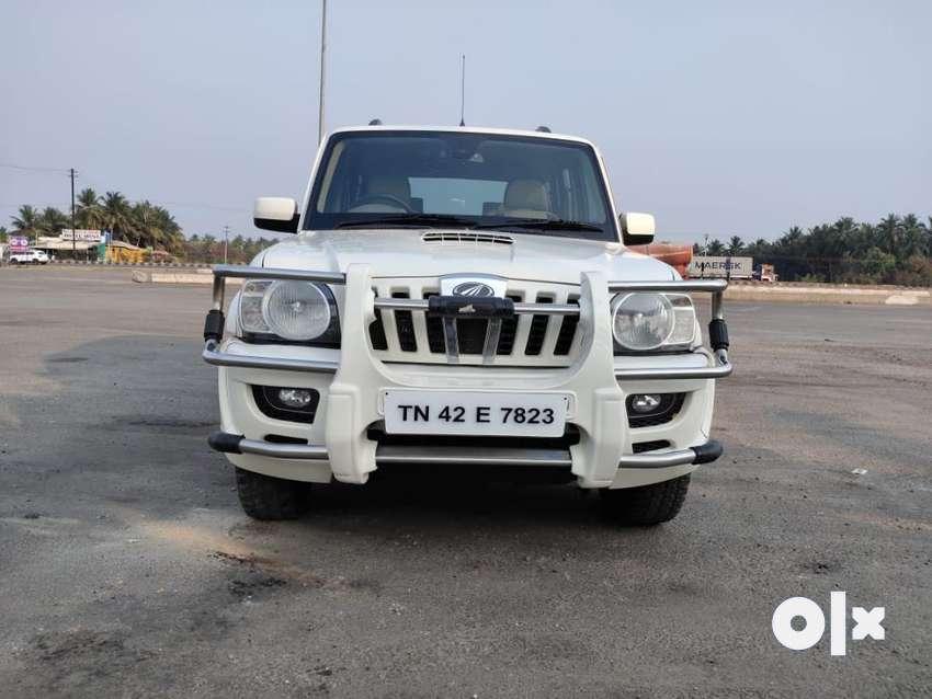 Mahindra Scorpio VLX 2WD Airbag BS-IV, 2011, Diesel 0