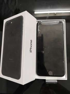 Selling iPhone 7 plus 128gb with bill box 6 month sellers warranty