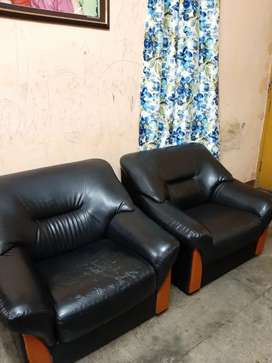 Godrej Parto Sofa Black 3+1+1