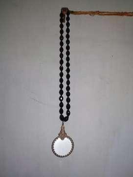 Kalung batu hitam liontin antik