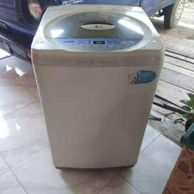 "Dijual mesin cuci ""LG Fuzzy Logic WF-F800TC hanya 800 ribu bisa nego."