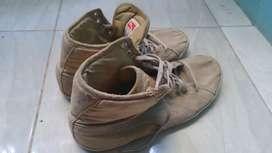 Sepatu merk puma ori size 43,