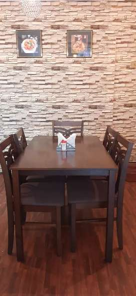Restaurant tables and Chairs can  also  be used for home