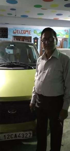 Electronics charging vehicle