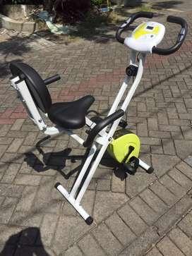 Sepeda Statis Magnetic Bike // Kirin 15.54