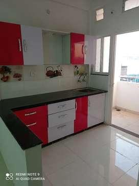 Ashok Vihar flat main main flat sale karna hai ready to move
