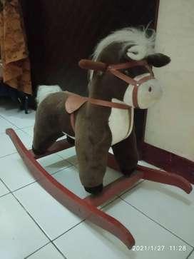"""Dijual kuda""""an anak"""