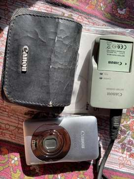 Canon Ixus 105 camera