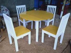Set meja makan bundar