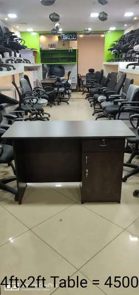 """""""Brand New Office Table with Storage Arbour Make"""""""