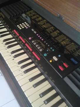 Keyboard / Piano Yamaha PSS-590 Mint Condition with Stand Kayu