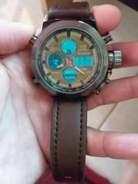 Jam tangan pria dgn bentuk bulat