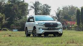 Land Cruiser 4.5 V8 VX 200 UK Version A/T 2012 Putih 60th Anniversary