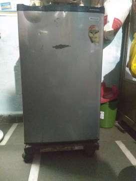 Sell small fridge.