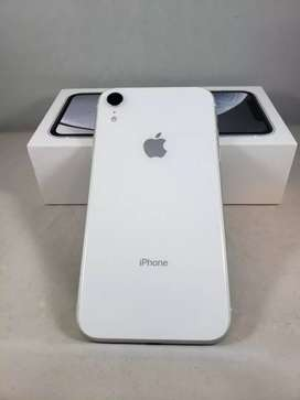 Superb condition of phones, available with bill and warranty