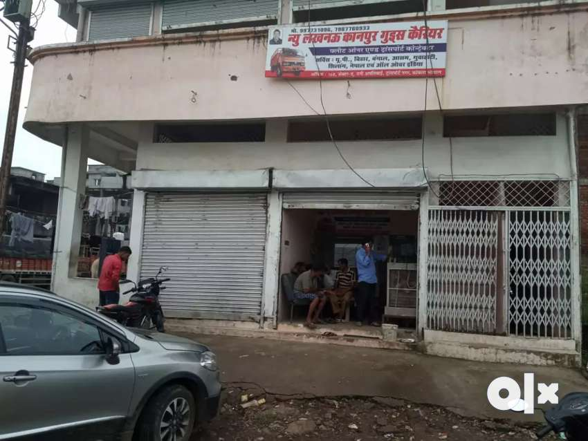 Shops available on rent. 0