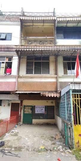 Disewakan Ruko  4 Lantai Jalan Pangeran Antasari daerah strategis