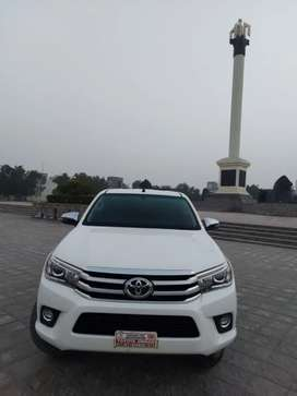 Toyota hilux revo V full options
