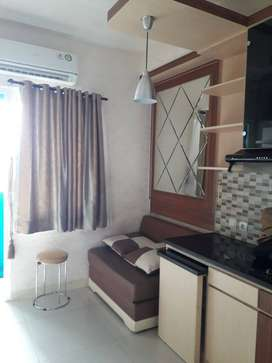 Sewa unit 2BR Bulanan Mewah & Bersih Apartemen Green Pramuka City