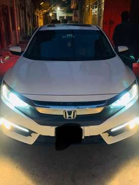 Honda civic full option 1.8