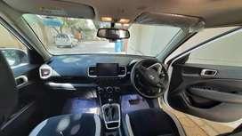 Hyundai Venue 2019 October Petrol 6000 Km Driven