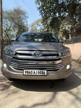 Toyota Innova Crysta 2.8 GX AT, 2017, Diesel