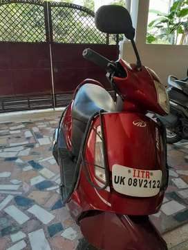 Red Mahindra Duro in good condition