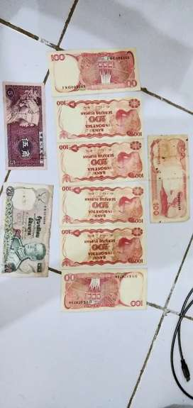 Uang kertas pecahan 100