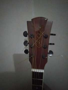 Di jual gitar..pemakaian masih baru no minus