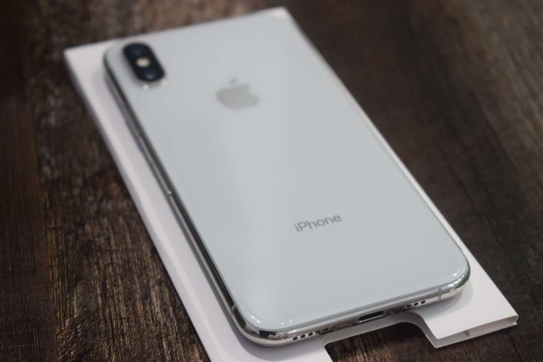 Iphone XS white 64gb dual sim PTA approved excellent condition