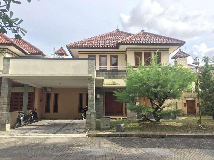 Rumah Full Furnished LB= 307 m2 di Perum Jogja Regency Dekat Amplaz 0