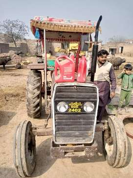 240 tractor good candetion. Prise 450000