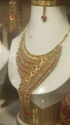 Jewelry all type artificial available in cheap rates