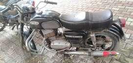 Yezdi bike D250