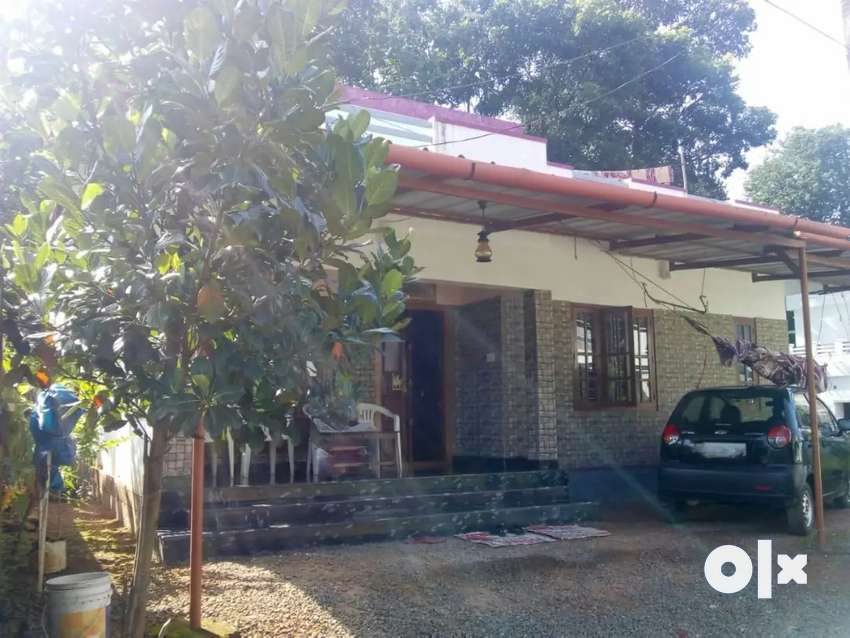 House for sale, in THIRUVALLA, Anjilithanum 0