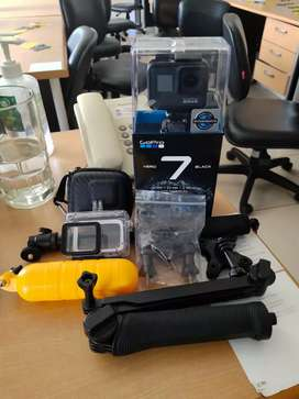 GoPro Hero 7 Black ( +Charger and Battery Cadangan Ori)