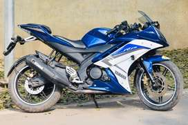yamaha R15 a1 condition awesome