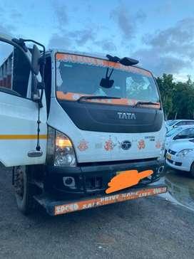 Tata truck 6 wheeler