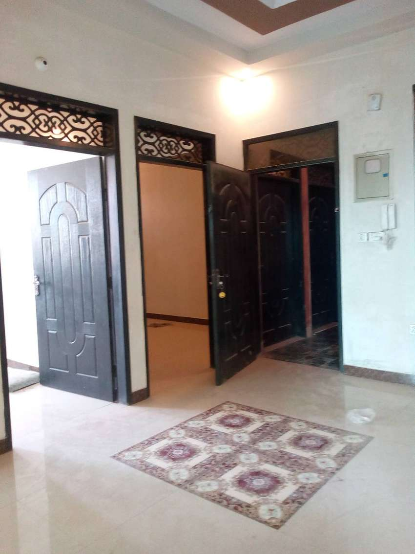 140 yrd Brand New 3 Bed D/D Portion Available in Gulshan block 1 0