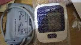 Alat tensimeter digital Omron HEM 8712