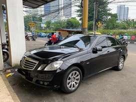 Dijual Mercedes Benz E200 2011 Hitam Pemakaian Pribadi