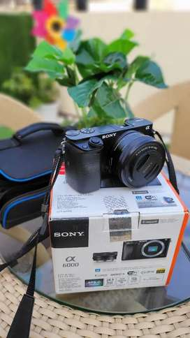 Sony Alpha ILCE 6000L 24.3 MP Mirrorless DSLR Camera as good as new