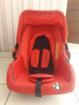 Jok mobil bayi ( baby carseat )