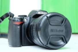 NIKON D3000 + Lesa 18 - 70mm