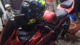 CBR 150 R scotlet