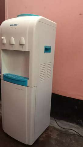 Voltas water dispenser hot and cool