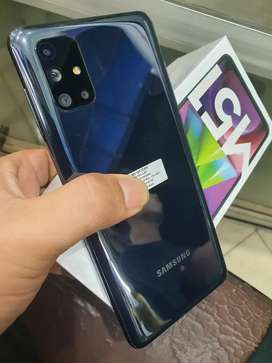 Samsung M51   8 128 like new