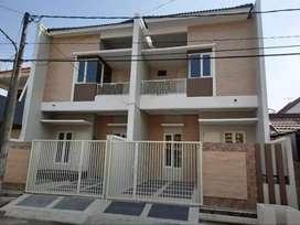 Rumah Baru Gress Kutisari dekat UKPetra