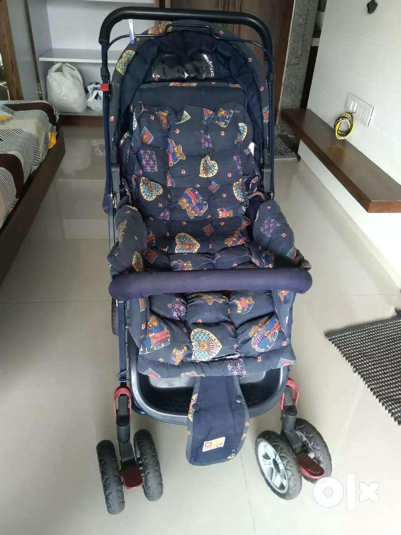 Me me stroller, baby carry cot cum car seat 0
